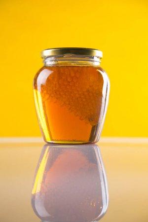 فوائد العسل قبل النوم لصحة الجسم و القلب