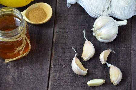 فوائد الثوم و العسل للصحة و فوائدهم على الريق