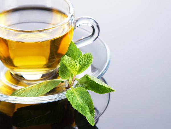 فوائد الشاي الأخضر قبل النوم وطريقة تحضيره
